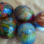 Как покрасить пасхальное яичко натуральными или искусственными красителями